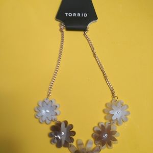 NWT Torrid Blush Flower Statement Necklace